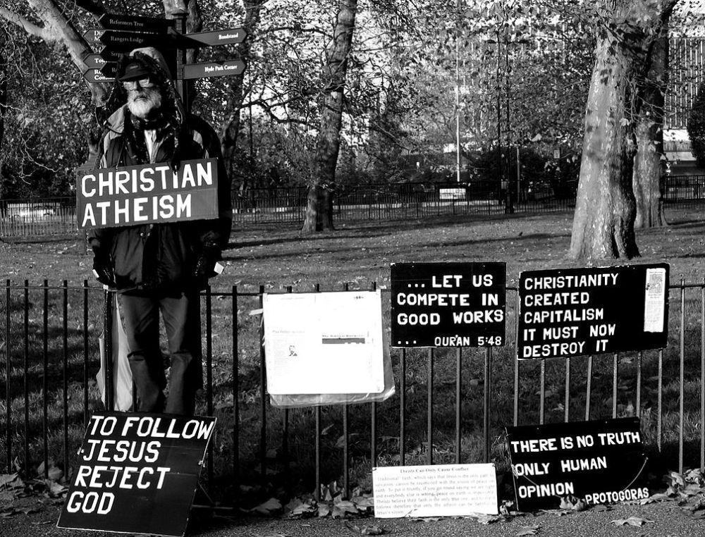 2005-11-20_-_united_kingdom_-_england_-_london_-_hyde_park_-_speakers_corner_4887898959